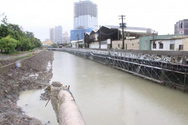 寶珠溝排水整治工程預計今年十月完工(記者陳文嬋翻攝)