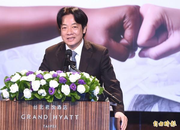 行政院院長賴清德日前接受媒體採訪時指出,明年將確立「雙語國家」政策,讓台灣成為使用「中文」與「英文」的雙語國家,以提升國際競爭力。(資料照)