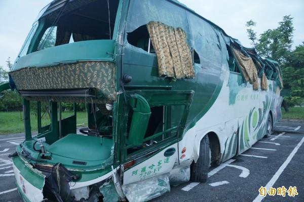 阿羅哈客運去年在國道發生重大事故,造成6死11傷。(記者黃佳琳攝)