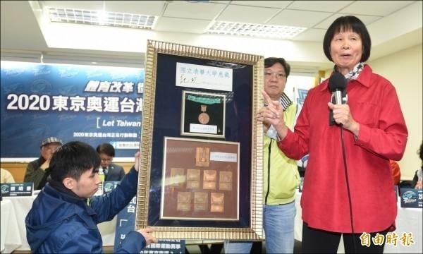 由總統府國策顧問紀政擔任發起人之一的「2020東京奧運台灣正名公投案」,連署已突破40萬份,將在9月3日上午9時把連署書送到中選會。(資料照)