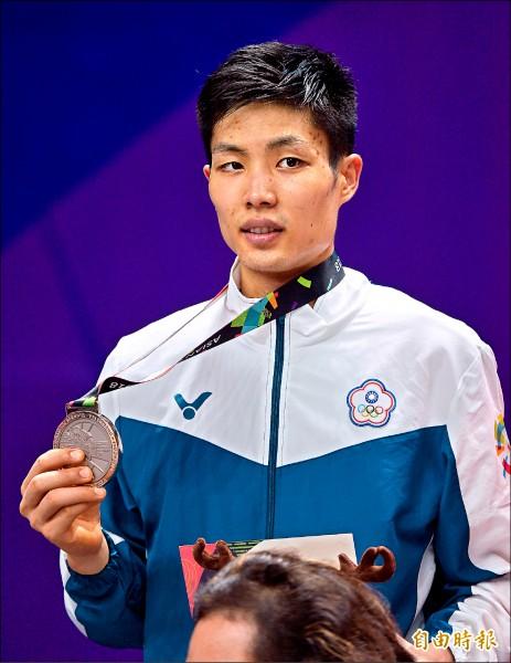 台灣一哥周天成昨在亞運羽球男單決賽拿到銀牌。(特派記者林正堃攝)