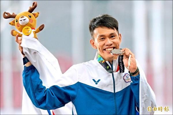 陳奎儒在男子110公尺跨欄決賽,跑出破全國紀錄的13秒39獲得銀牌。 (特派記者林正堃攝)