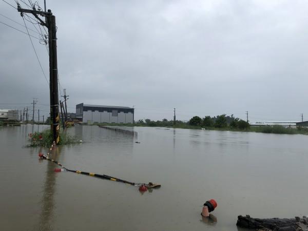 823水災新吉中排溢堤。(台江文化促進會提供)