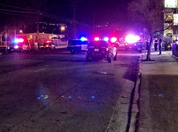 美國加州聖貝納迪諾公寓,於台灣時間今(3日)下午1時45分發生槍擊案,共有10人中彈其中3人命危。(圖擷自@ MikeRogersTV推特)
