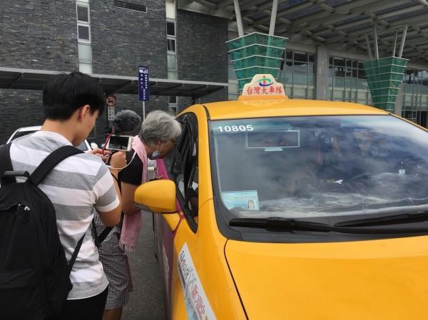 屏東縣府城鄉發展處表示,貼心巴士的載客運量上升有數據顯現,不是幾次查訪就能判定。(黃昌源服務處提供)
