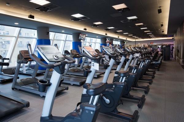 9月9日國民運動日當天,新北市12座國民運動中心體適能教室與游泳館免費開放。(新北市體育處提供)