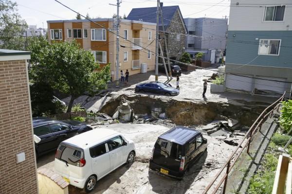日本北海道地區在當地時間週四(6日)凌晨3時08分發生規模6.7的強烈地震。(路透社)