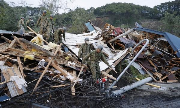 日本北海道遭芮氏規模6.7、日本標準震度7級強震襲擊,多處傳出嚴重災情,截至目前為止已有16人死亡、26人失聯。(美聯社)