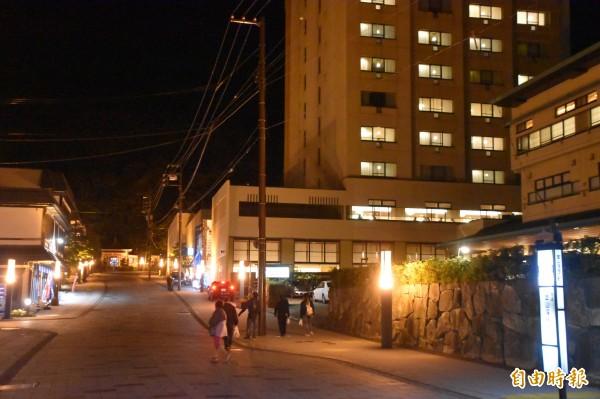 開業有91年歷史的定山溪溫泉區「鹿之湯」溫泉飯店,免費房間升等,與台客搏感情。(記者蘇福男攝)