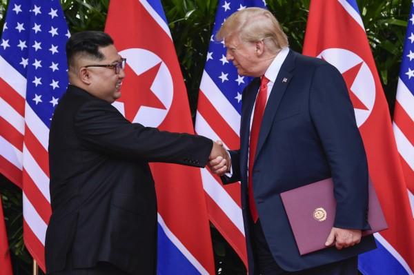 美國白宮今天表示,美國總統川普收到北韓領導人金正恩的一封信,要求召開兩人的第二次會議,白宮也說,相關工作已經在協調進行。(美聯社資料照)
