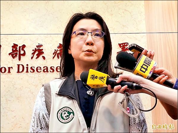 ▲陳婉青醫師說明傷寒群聚感染事件。(記者林惠琴攝)