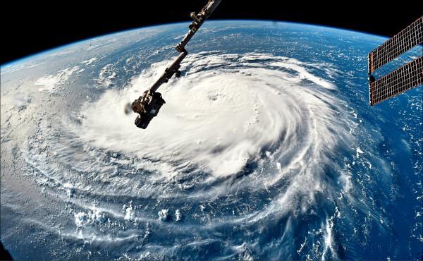 圖為美國國家航太總署(NASA)發佈從國際太空站(ISS)俯瞰佛羅倫斯颶風的照片。(法新社)