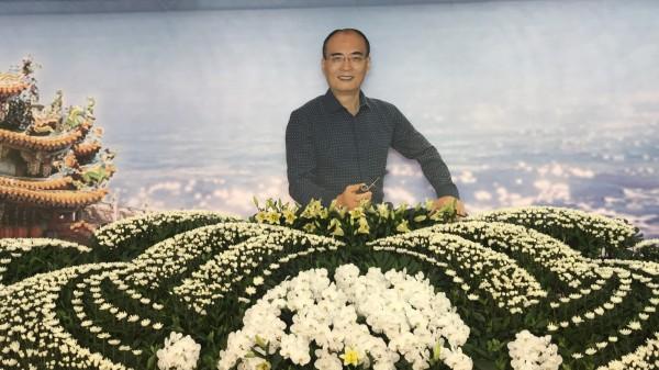 太陽會大老李文展靈堂設在元長鄉中山路旁,將於13日舉行告別式。(民眾提供)