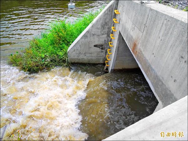 林寶春抽水站每秒最大抽水量4噸。 (記者江志雄攝)