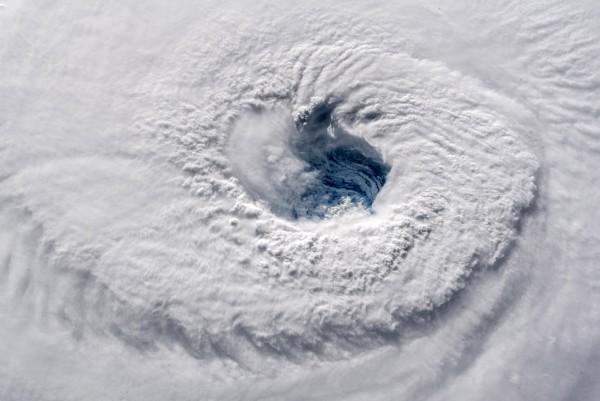 4級颶風「佛羅倫斯(Florence)」直撲美國東部沿海地區,目前美國大西洋沿岸正遭到侵襲,預計佛羅倫斯最快13日就會在南、北卡羅來納州的邊界附近登陸。(歐新社)