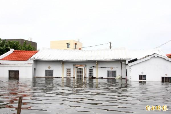 嘉義縣因823水災淹水嚴重。(記者林宜樟攝)