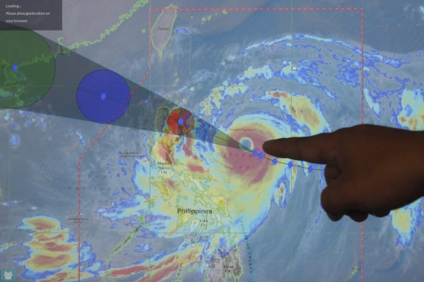 美國氣象專家傑森.尼科爾斯預計,山竹颱風在今日晚間起至15日將橫掃整個菲律賓北部。(歐新社)