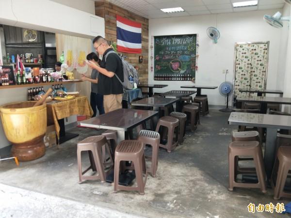 「泰樂」的店面布置簡單,還有一些泰國特色的陳設。(記者何玉華攝)