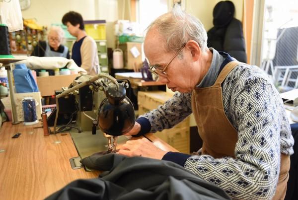 日本總務省推估,65歲以上的高齡者總數已達3557萬人,創歷史新高;70歲以上的高齡者占總人口比率,也首度超過20%。(法新社)