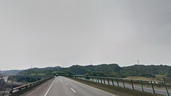 基隆台62線大埔交流道發生遊覽車車禍,7輛救護車趕赴現場。圖為台62線一景。(圖擷自Google街景)