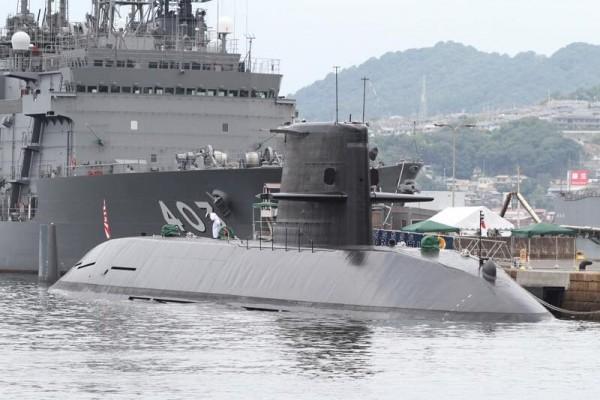 日本海上自衛隊潛艦「黑潮」,首次在南海參與軍事演習。(圖擷自Ryuzo Matsuura臉書)