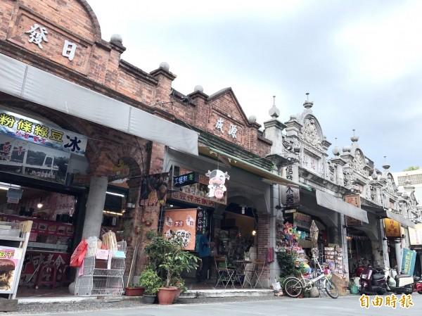 大溪老城區的巴洛克式建築。(記者李容萍攝)