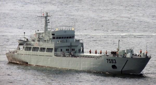 示意圖中的編號7593解放軍軍艦,與前往現場勘察的3358解放軍軍艦同為074型登陸艇。(翻攝自維基百科)