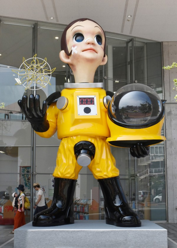日本福島市上月3日於JR福島站設立的「Sun Child」兒童立像,飽受市民批評,政府宣布昨日起開始拆除。(歐新社)