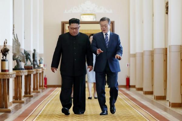 南韓總統文在寅赴平壤與北韓領導人金正恩進行「文金三會」,明兩人將同攀長白山。(法新社)