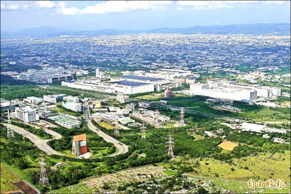 台中市政府爭取修法免繳山坡地回饋金,中科園區有11家廠商受惠。(記者張菁雅攝)