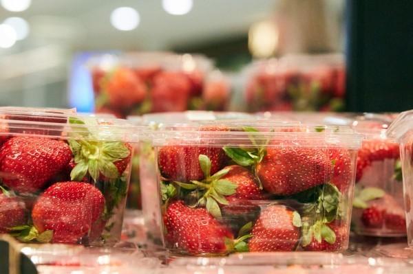 澳洲草莓藏針事件引來為數眾多的模仿犯,導致大規模消費者恐慌。(歐新社)