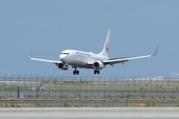 日本關西機場公司稍早宣布,明天(21日)起全面恢復正常營運。(彭博)