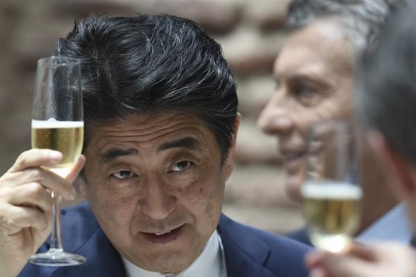 安倍晉三今日有望第三次連任自民黨總裁,也很有可能成為在位期間最長的日本首相。(資料圖 法新社)