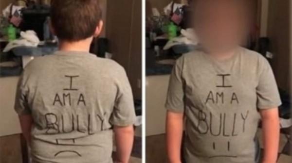美國一位媽媽因為發現兒子在學校欺負同學,於是讓他穿上印有「我是霸凌者」的T恤去上學。(圖擷自推特)
