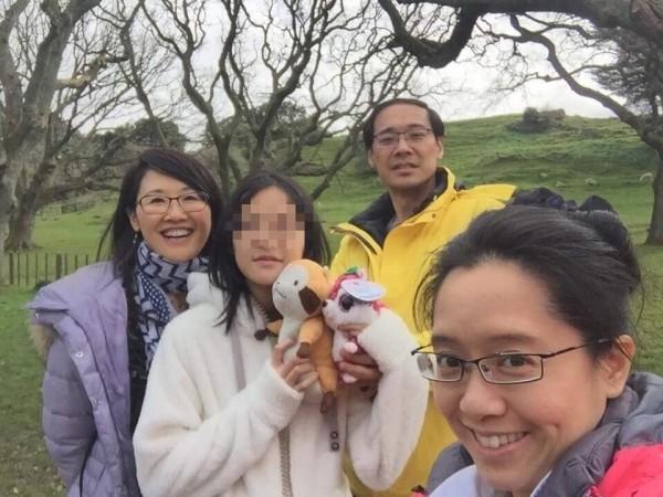 楊偉中的姊姊楊偉珊在臉書PO出千字文,認為楊偉中「是上帝賜給我們的禮物」;楊偉珊也PO出與楊偉中一家人開心的合照。(圖擷取自Noel Yang臉書)