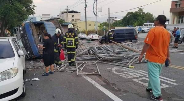 南投縣139線又傳車禍事故,造成5人受傷送醫。(記者劉濱銓翻攝)