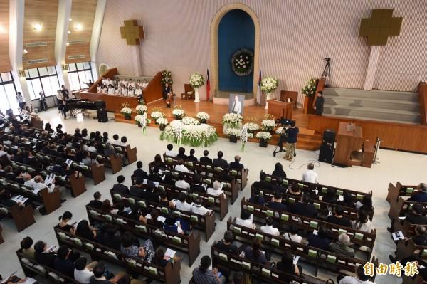 黨產會委員楊偉中追思紀念會22日在懷恩堂舉行。(記者簡榮豐攝)