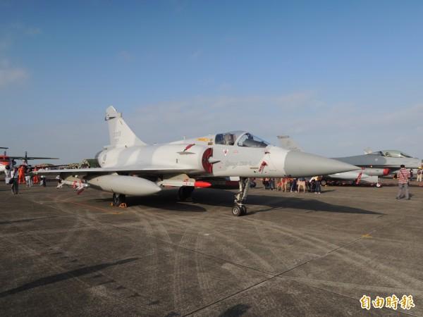 為維持幻象戰機整體戰力,空軍已與法方簽署航電及電戰系統零附件開放契約,以及幻象戰機飛行員訓練案,前者金額達到56億6145萬元,後者為3493萬元。(記者羅添斌攝)