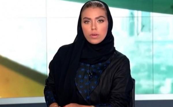沙烏地阿拉伯國營電視台Saudia TV,出現首位新聞女主播Weam Al Dakhee。(圖擷自@hire_delaware推特)