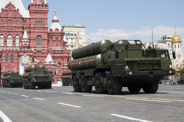 俄羅斯國防部長今(24)日表示,莫斯科將向敘利亞提供更先進的S-300防空飛彈系統。(美聯社)