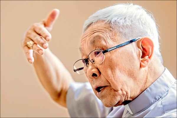 天主教香港教區榮休主教陳日君樞機。(彭博檔案照)