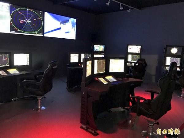 中科院在高雄國際海事展展場打造仿真作戰艦戰情室。(記者洪臣宏攝)