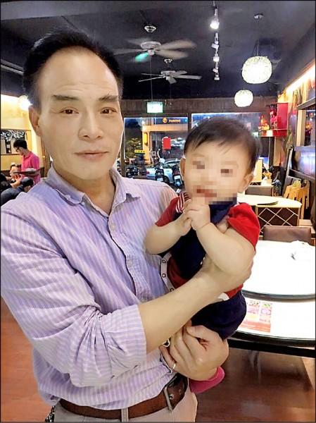 李清雲花了三十四年,從警察局的小工友變成分局偵查隊長。(取自李清雲臉書)