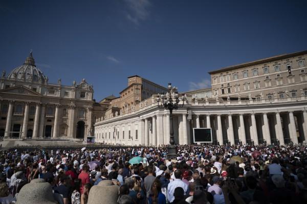 教廷繼簽署中梵主教任命協議之後,首度讓中國主教參加「世界主教會議」。(美聯社)
