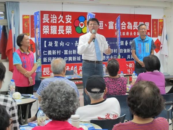 謝龍介談起年底選舉,表示韓國瑜有外溢效應。(國民黨台南市黨部提供)