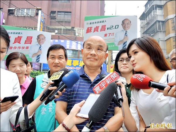 民進黨新北市長參選人蘇貞昌昨天受訪說,國民黨跟黑道勾結已經是「罄竹難書」。(記者翁聿煌攝)