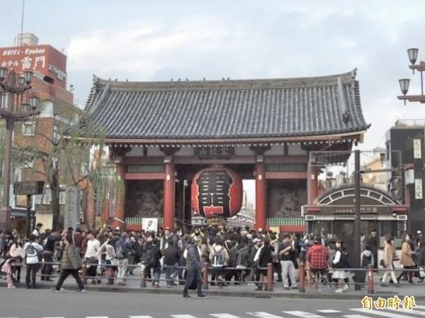 謝金河指出,觀光重要的是軟實力,並分析日本會讓觀光客想「一去再去」的原因。圖為東京淺草寺。(資料照)
