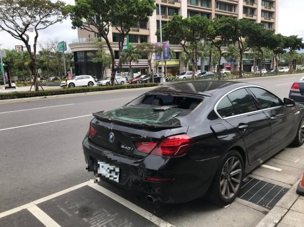 唐男的BMW轎車。(記者王宣晴翻攝)