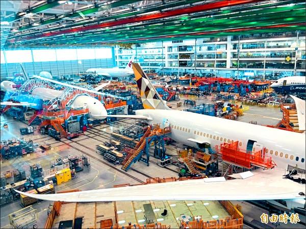 長榮航空引進國內首架波音787-9型客機,也創國籍航空首度前往波音位於美國南卡羅萊納州工廠交機首例,廠區內部也隨之首度曝光。(記者陳宜加攝)