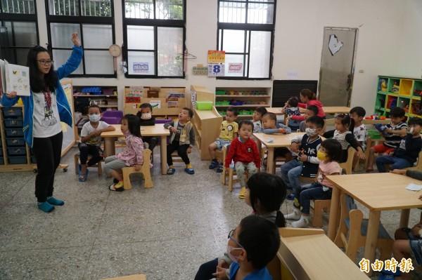 新竹縣湖口國小與富興國小兩校的附設幼兒園都是今年9月才招生,目前全縣已有103園(班)。(記者廖雪茹攝)